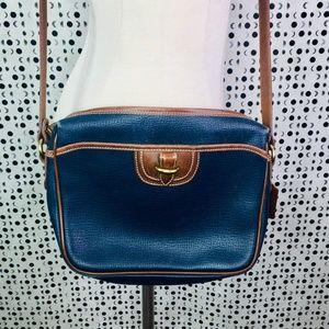COACH: Vintage Shoulder Bag